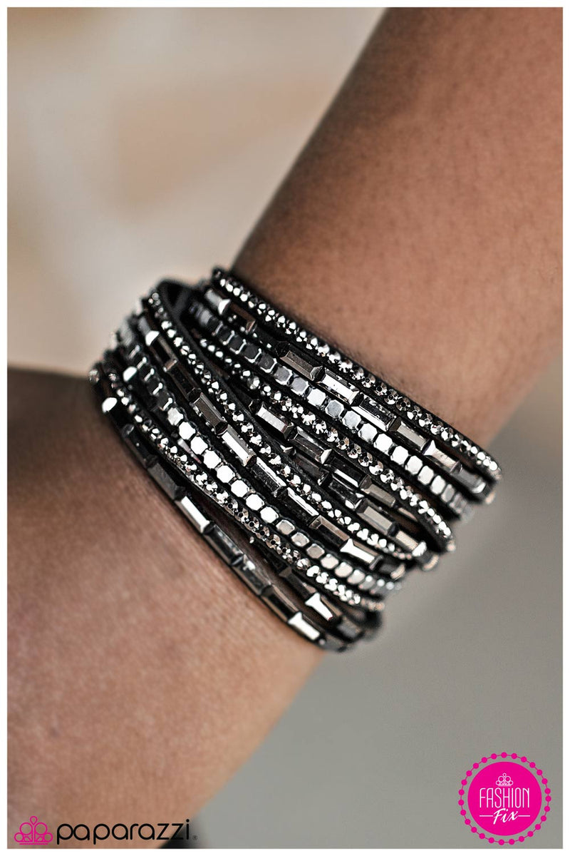 five-dollar-jewelry-gimme-some-sugar-black-bracelet-paparazzi-accessories