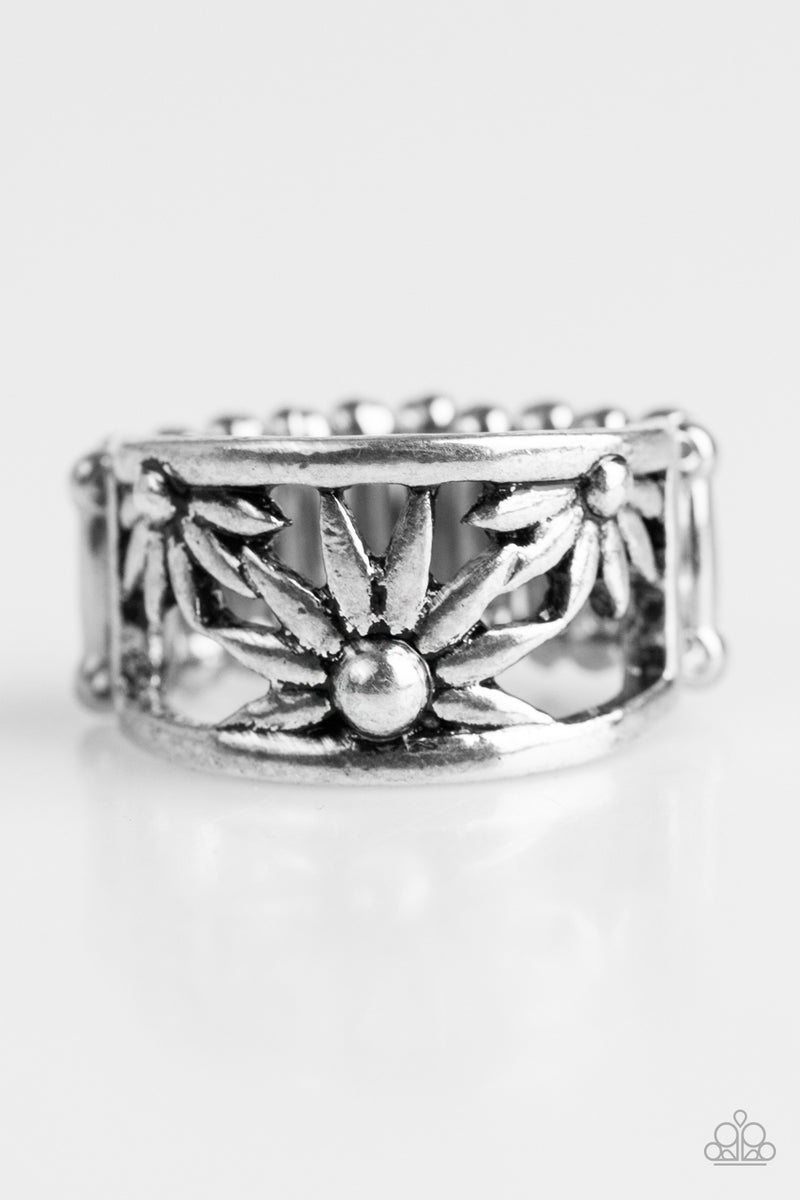 five-dollar-jewelry-let-a-thousand-wildflowers-bloom-silver-ring-paparazzi-accessories