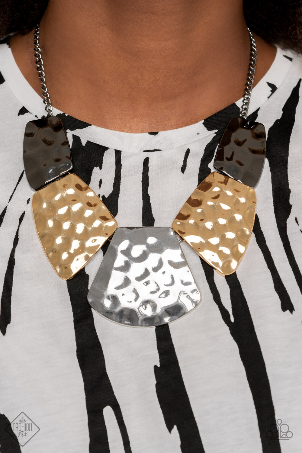 HAUTE Plates Necklace - Paparazzi Accessories
