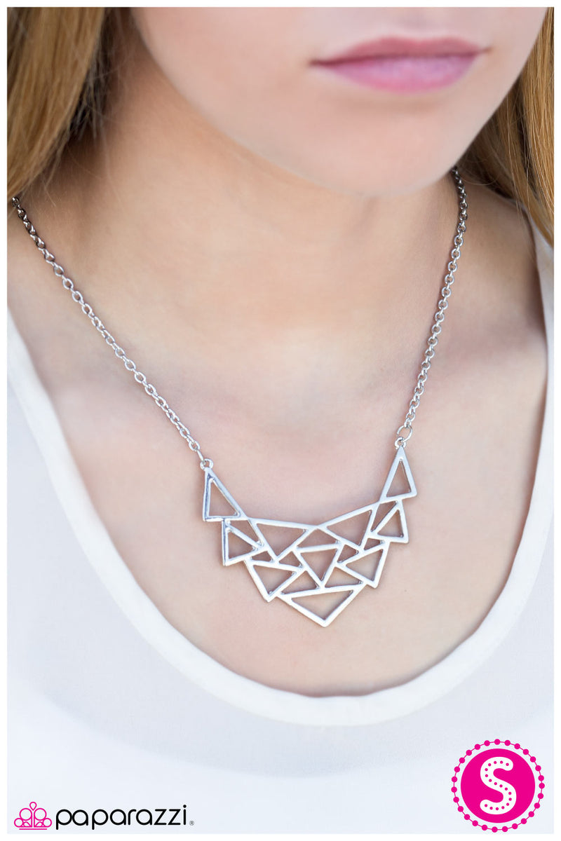 five-dollar-jewelry-tri-as-i-may-silver-necklace-paparazzi-accessories