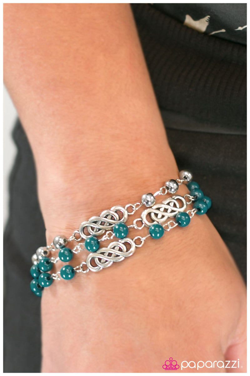 five-dollar-jewelry-ever-everlasting-blue-bracelet-paparazzi-accessories