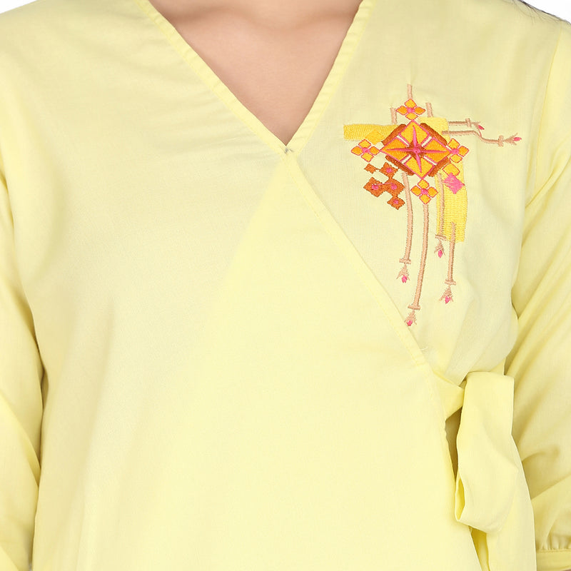 Embroidered 3/4 Sleeve Yellow Kediya Top