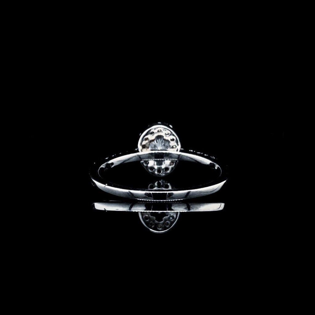 0.90ctw H Si3 Oval Center Diamond Halo Paved Band 14kt