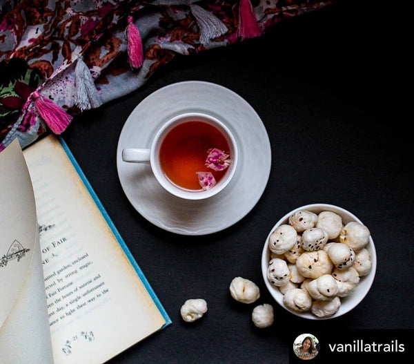 Rose tea with roasted foxnuts