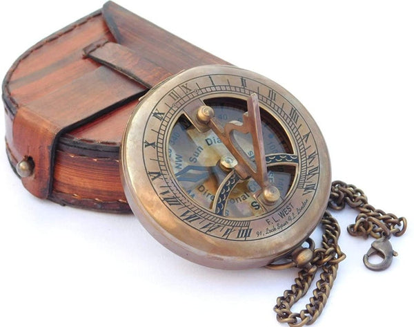 BEAUTIFUL SUNDIAL COMPASS with leather bag