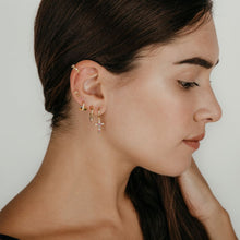 Load image into Gallery viewer, Fleur Earcuff