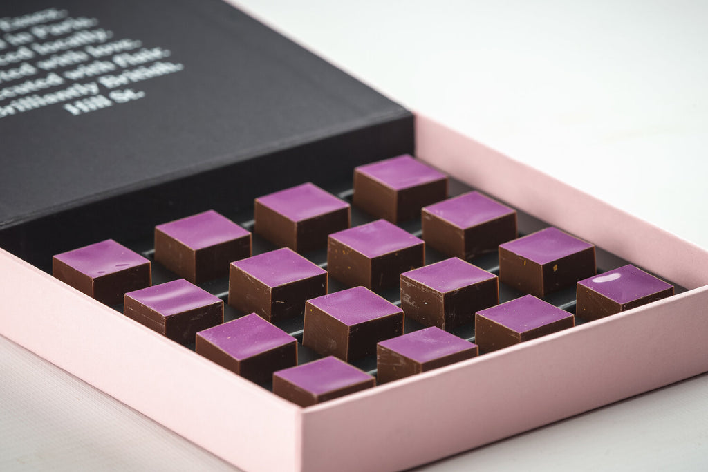 Hill St. Blackcurrant, violet and vanilla ganache - 16 pieces