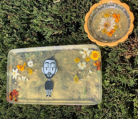 regular rolling tray & elegant circle ashtray with dried flowers, gold mica swirls in background & custom image
