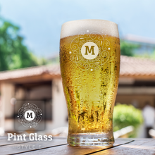 Load image into Gallery viewer, Personalised Pint Glass