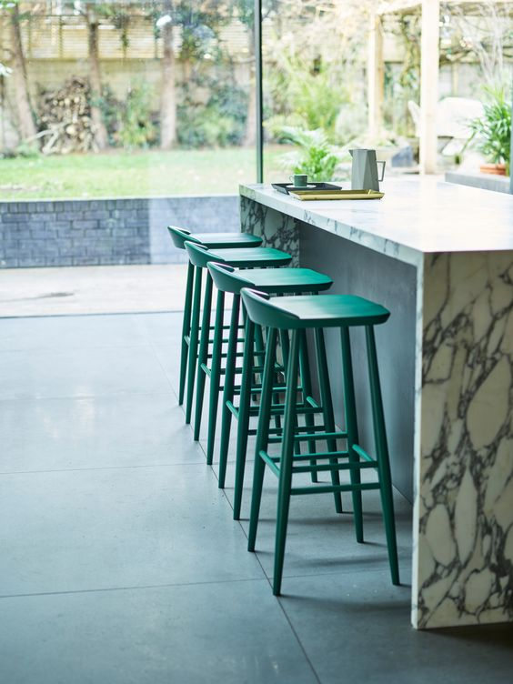 Roundup: Counter height bar stools