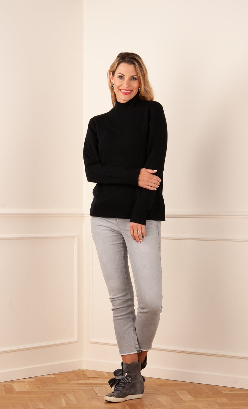 Kashmir Black sweater