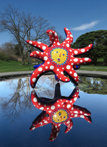 Photographie de l'oeuvre I Want to Fly to the Universe de Yayoi Kusama