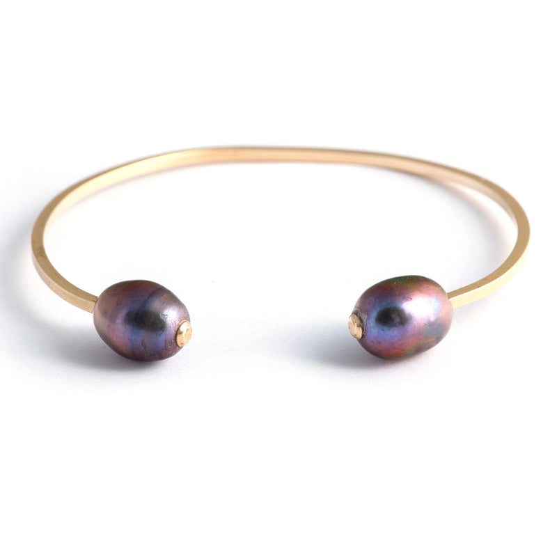 Gold Dueling Pearl Cuff