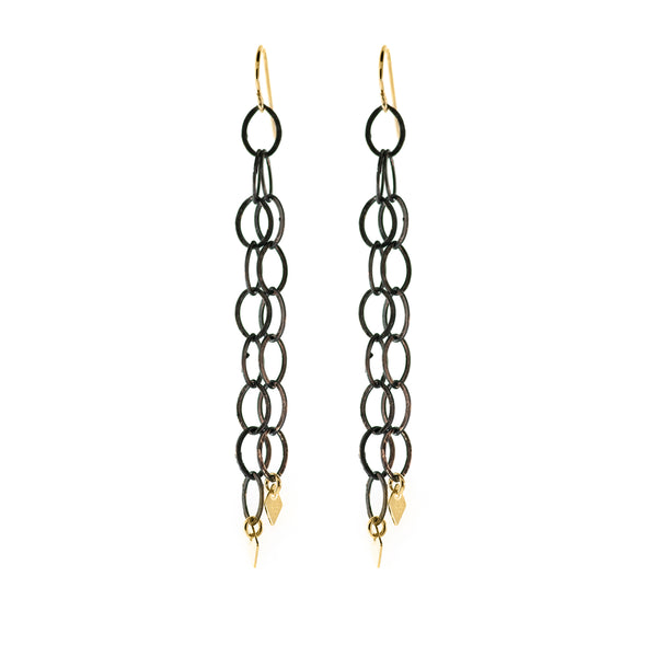 SHEA OXIDIZED STERLING SILVER CHAIN EARRING