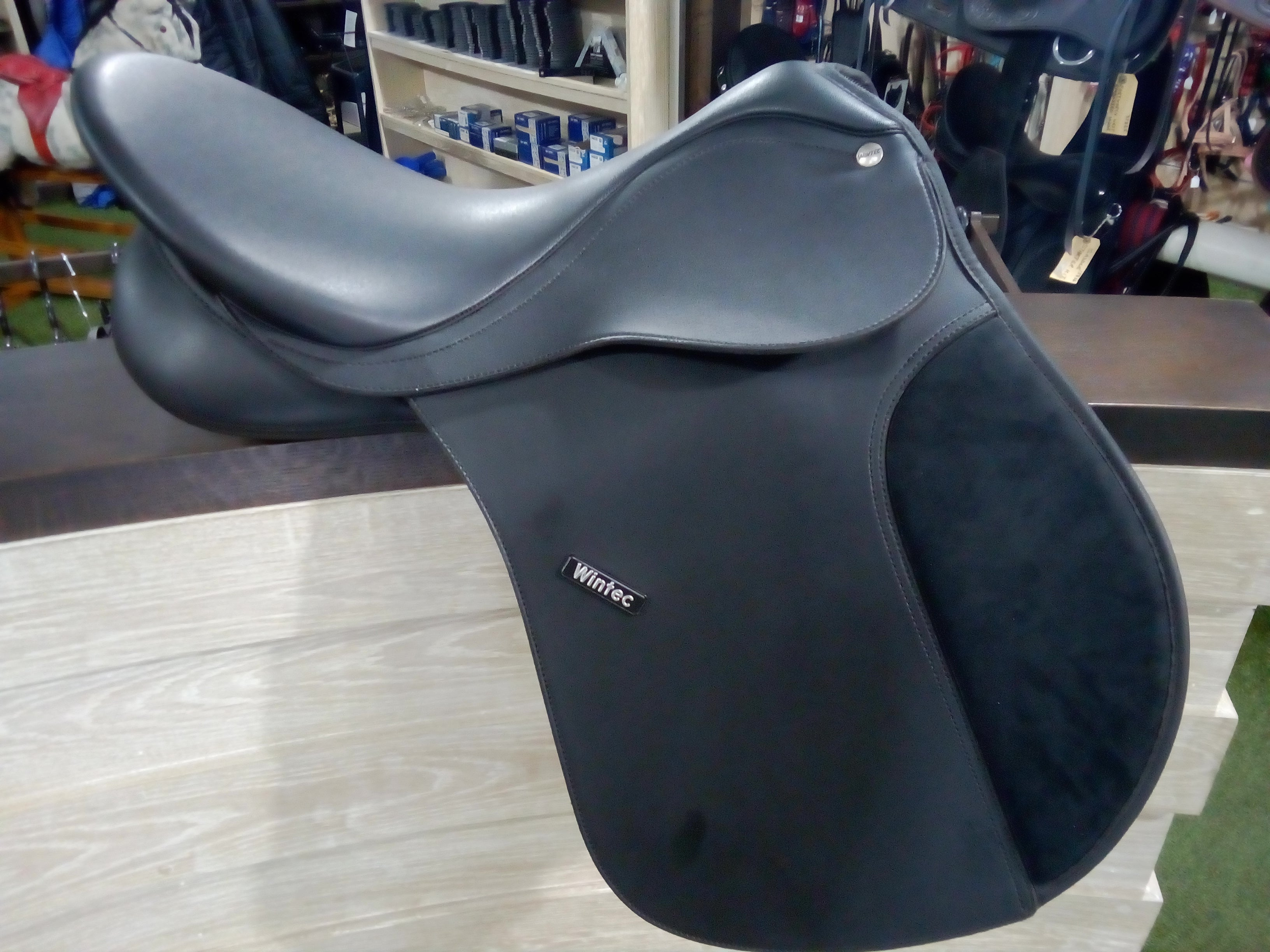 Wintec 250 GP Flock Saddle 17''