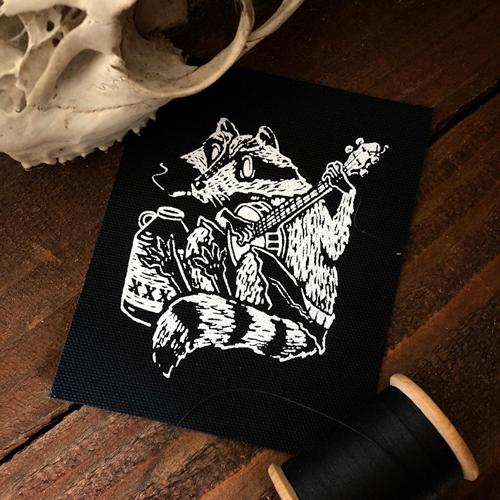 Banjo Raccoon • CanvasPatch