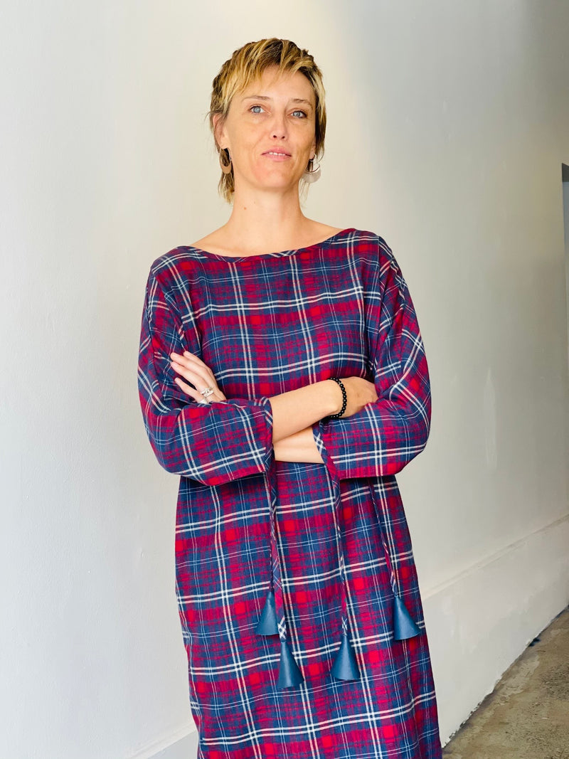 1- Tom tartan dress