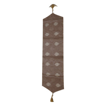 Traditional Vintage Table Runner