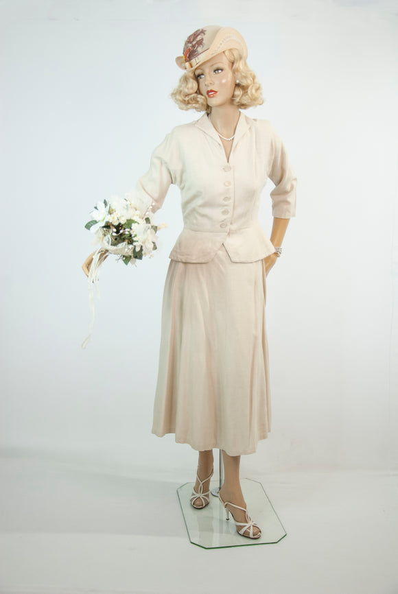 Vintage 1950s cream linen suit, peplum blouse high-waist midi skirt, two-piece 3/4 sleeve ivory simple wedding dress, S M