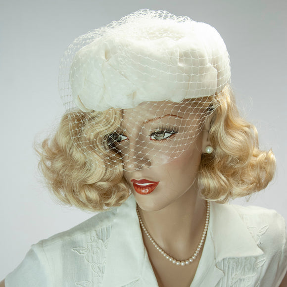 Vintage 1950s white petals veil hat, organza floral off-white pin-up wedding formal mid-century