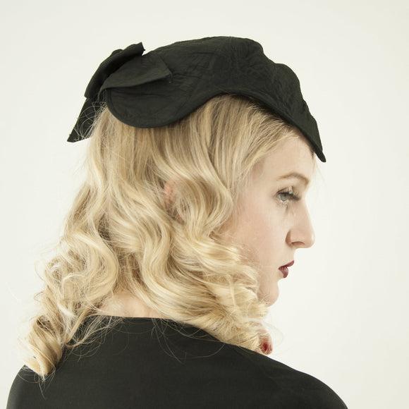 Vintage 1930s black headpiece, fascinator hat, embroidered bow widow's peak formal calot Juliet antique Effeness