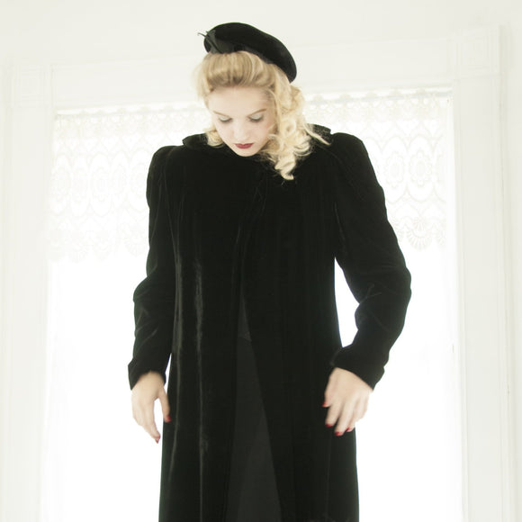 Vintage 1930s black velvet coat, collar, long duster opera formal swing jacket Victorian cloak, puffed sleeves S