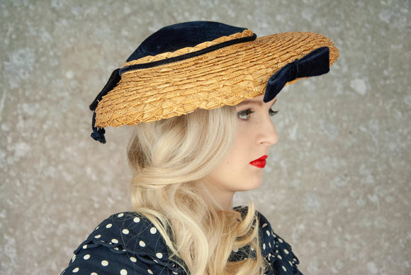 Vintage natural straw sun hat, woven wide brim, navy blue velvet, 1940s 1950s pin-up Edwardian style