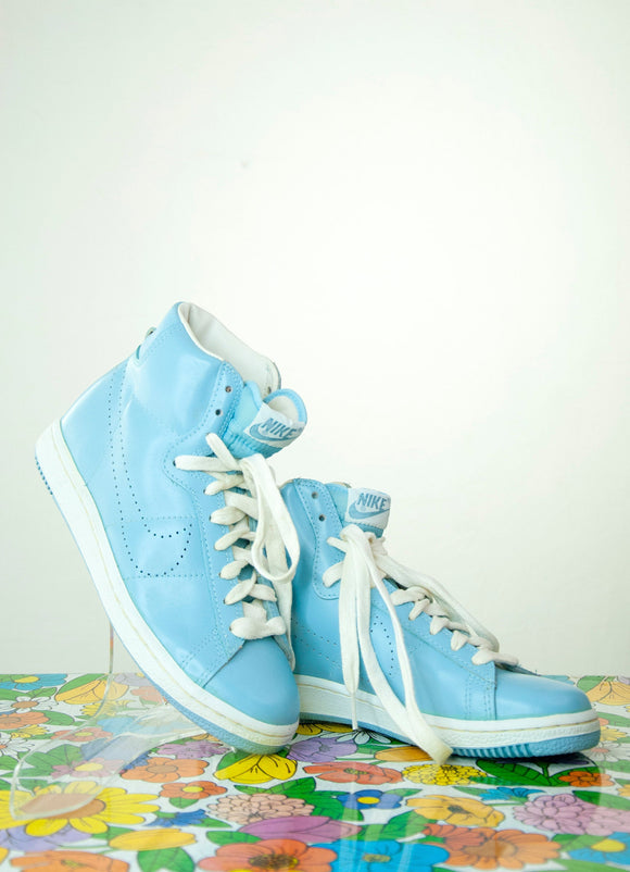 Vintage 1980s Nike's shoes, blue athletic high-top sneakers tennis skate, perforated swoosh light pastel white tie NOS 8 rare NOS deadstock