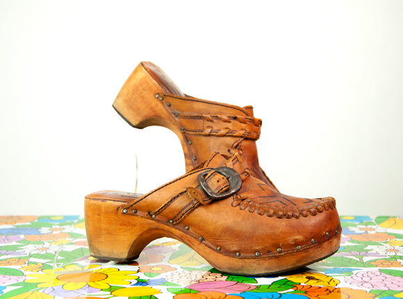 Vintage 1970s wooden platform clogs, brown leather slip-on shoes, boho retro wood, buckles 7