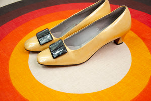 Vintage 1960s gold shoes, yellow slip-on formal dress faux patent leather, black Lucite chunky kitten heels 9 NOS mid-century