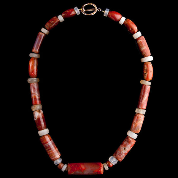 Tairona Carnelian Colombian Necklace with 15 banded Agate and rock crystal spacers. Colombia, 500-1550 AD