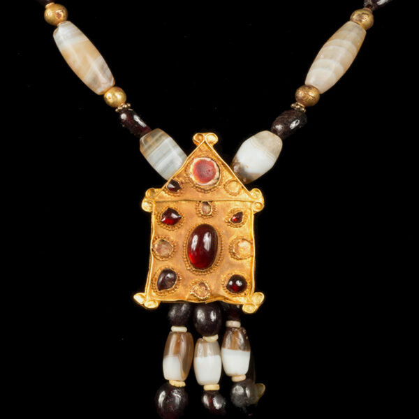 A Truly Exquisite Roman Banded Agate, Ruby Garnets and Gold beads with Gold Temple Pendant with Garnet Cabouchons and Glass Intagglio at the Frontispiece.