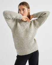 Lade das Bild in den Galerie-Viewer, COTYS TRASH SWEATER Grey