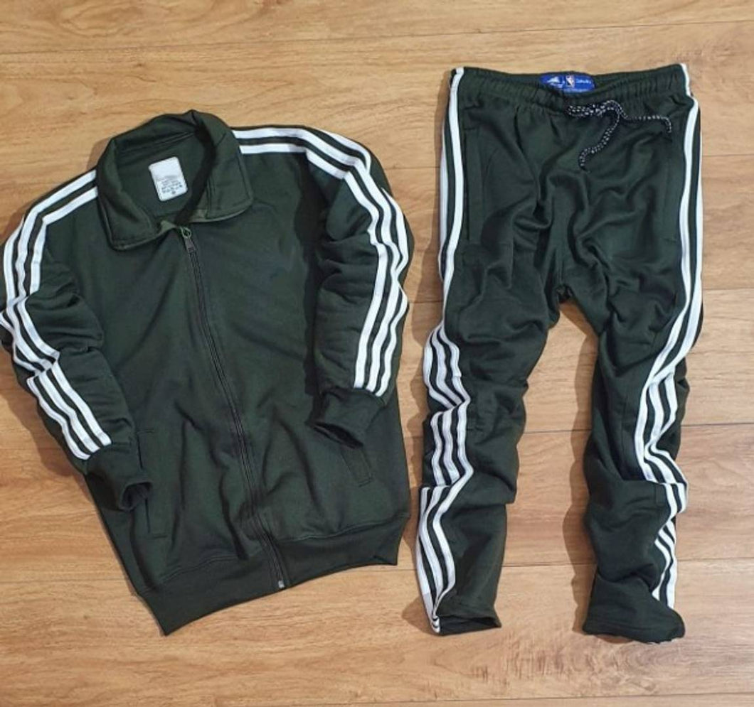 Comfy Olive Solid Fleece Tracksuit For Men