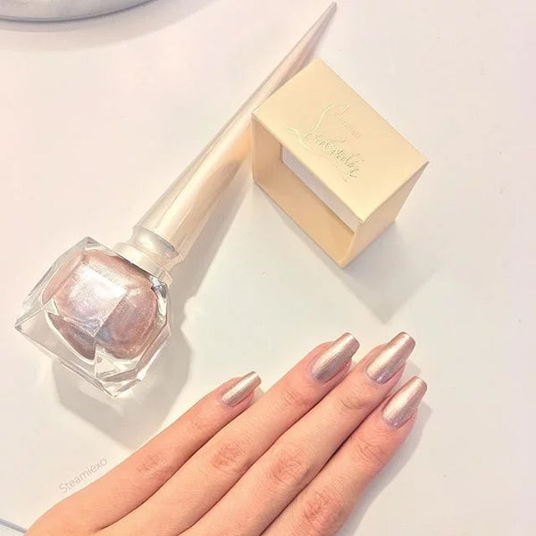 Christian Louboutin Rouge Nail Color in Goldissima