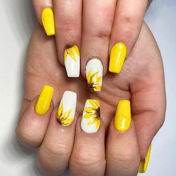 Sunny Flower Nails