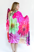 Load image into Gallery viewer, Darlin' Dahlias Blanket
