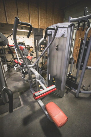 Pre-Owned Lat Pulldown Selectorized. - Strengthio Fitness.