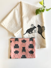 Load image into Gallery viewer, Cat Towel and Zipper Pouch Gift Set