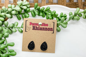 Black teardrop stud earring