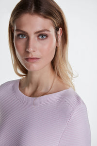 Classic style jumper with horizontal ribbed knit