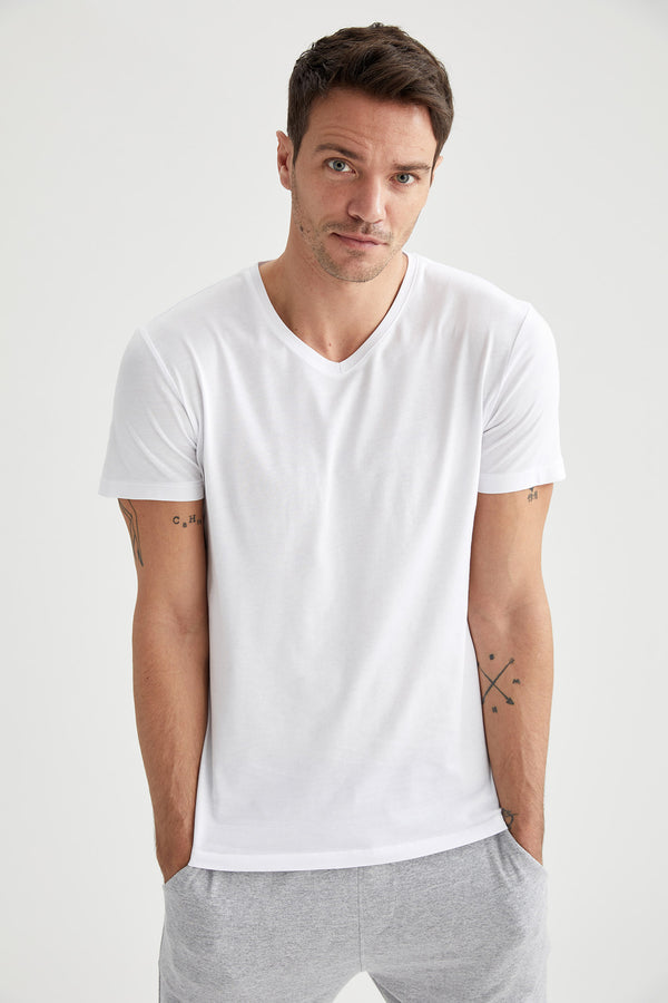 Slim Fit V Neck Short Sleeve Knitted T-Shirt - White