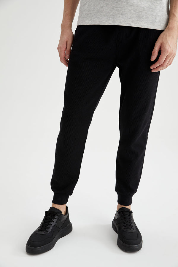 Slim Fit Knitted Trousers - Black