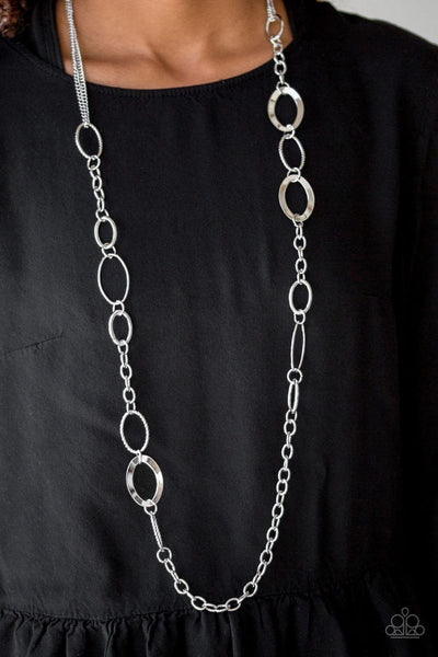 Chain Cadence - Silver - Paparazzi Necklace