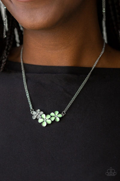 Hibiscus Haciendas - Green - Paparazzi Flower Necklace
