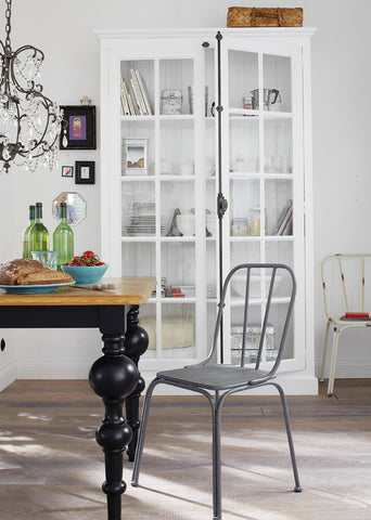 A mix of styles in a Scandinavian interior