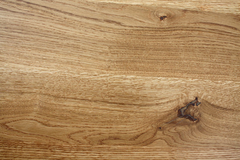 The interesting grain in the Kanteen oak dining table top