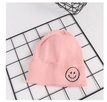 Load image into Gallery viewer, Smiley Beanie