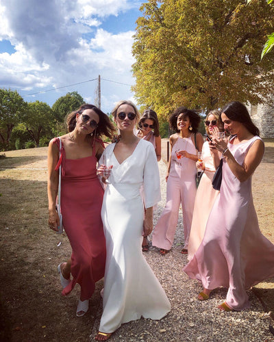 The 4 Coolest Ways to do Bridesmaids Dressing in 2020
