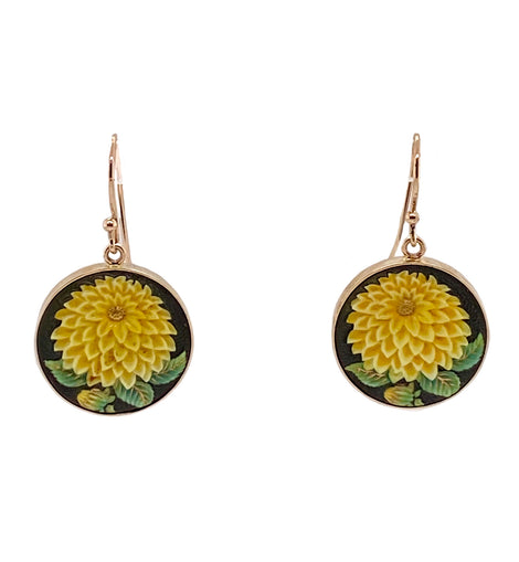 Japanese 14K Gold Toshikane Enamel on Porcelain Chrysanthemum Earrings